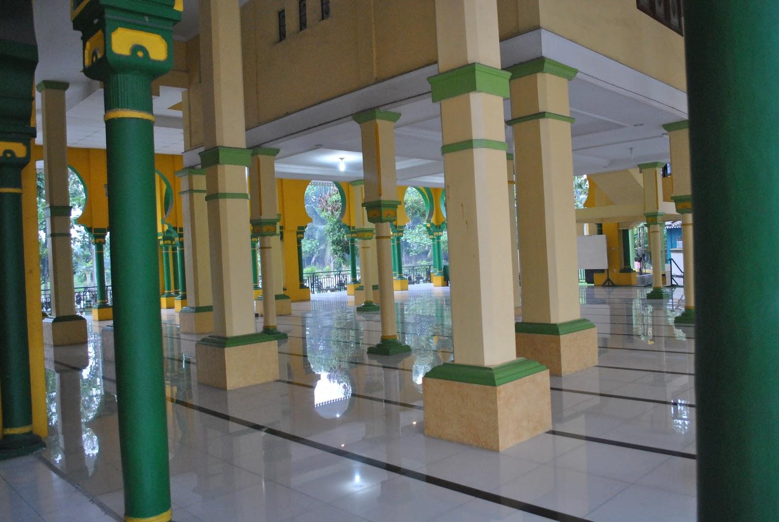 Masjid Tertua Kota Medan Mesjid Al Osmani Teras