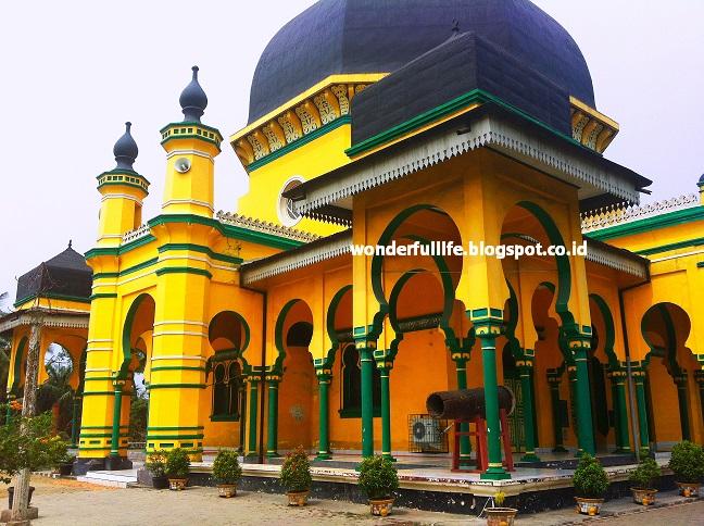 Mesjid Al Osmani Jejak Sejarah Melayu Medan Labuhan Travelicious Yos