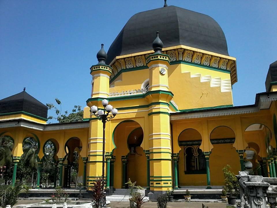 Mesjid Raya Al Osmani Labuhan Deli Puti Batusa 2 Masjid