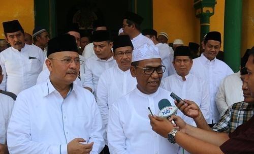 Walikota Medan Bersama Kejatisu Safari Jumat Masjid Al Osmani Kepala