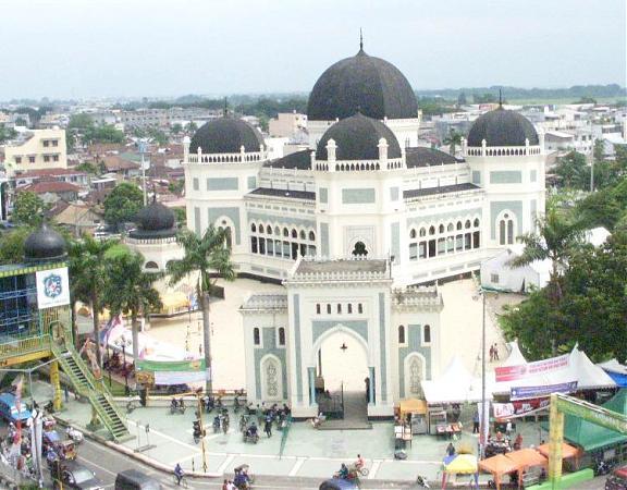 Keunikan Masjid Raya Al Mashun Medan Kota