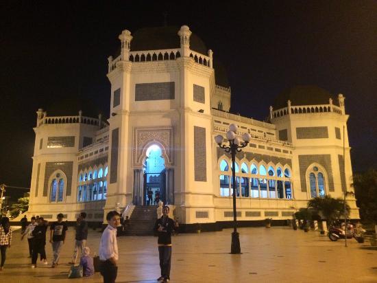 Masjid Raya Medan Picture Grand Mosque Tripadvisor Kota