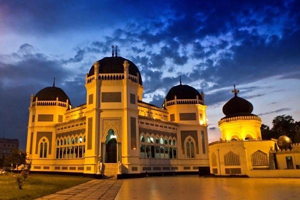 Masjid Raya Medan Wisata Religi Sejarah Kota