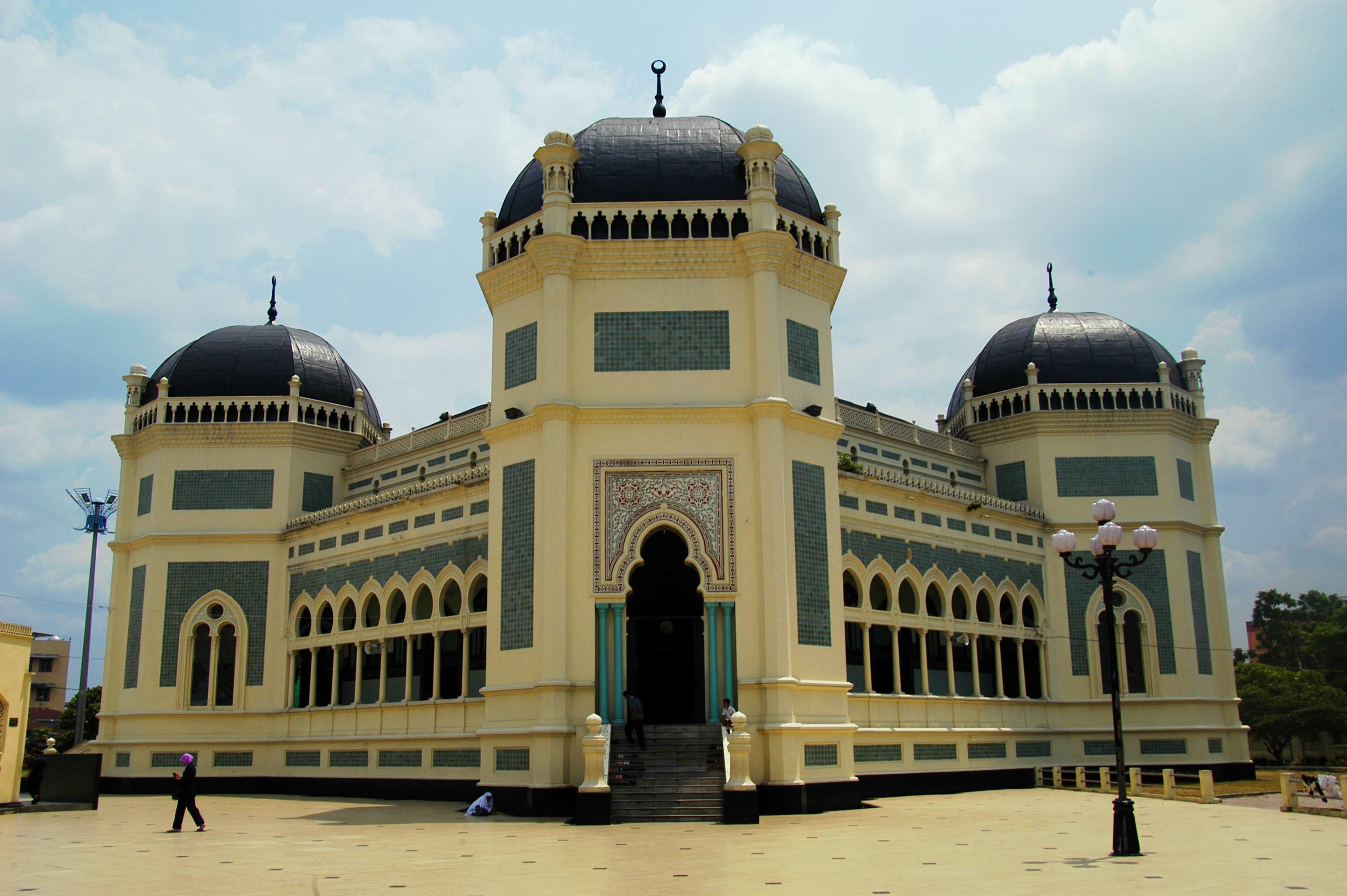 Medan Kota Modern Warisan Kolonial Belanda Traverse Id Masjid Raya