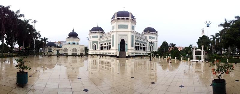 Sumutrip 6 Postcards North Sumatra Djangki Masjid Raya Al Mashun