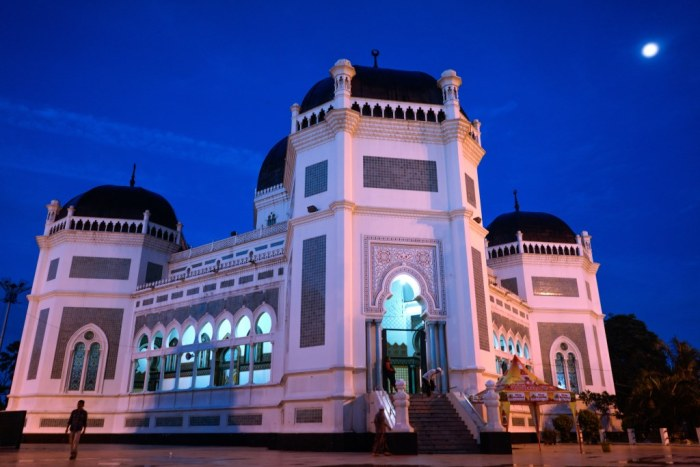 Travel Ramadhan Menyambut Subuh Masjid Raya Medan Bukanrastaman Kota