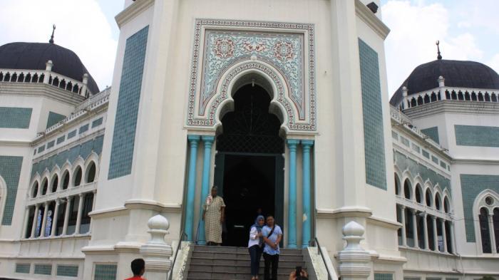 Yuk Lihat Desain Masjid Raya Al Mashun Dibangun 1906 Konsep