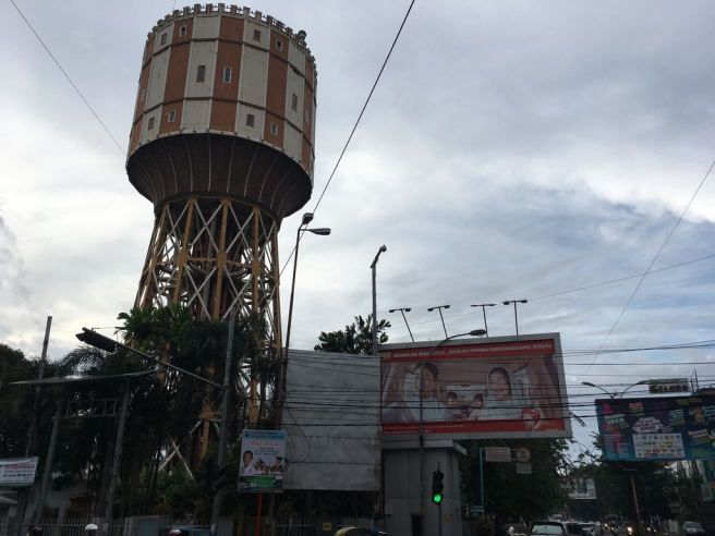 17 08 Raun Kota Medan Bardiq Vihara Setia Budi Menara