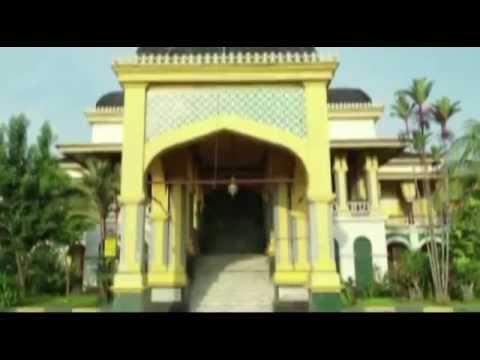 Istana Maimun Meriam Buntung Medan Youtube Puntung Kota