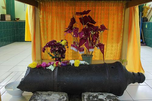 Istana Maimun Wisata Medan Meriam Jelmaan Adik Putri Hijau Puntung