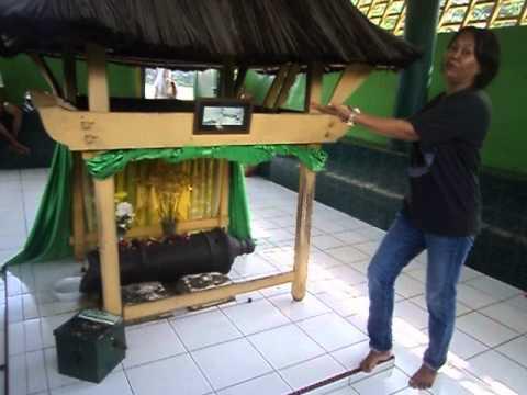 Melaporkan Keadaan Peninggalan Sejarah Meriam Puntung Youtube Kota Medan