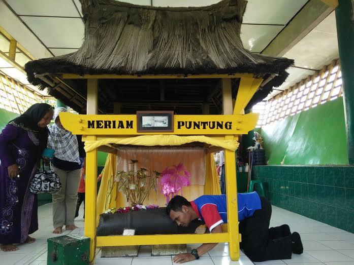 Mengenal Sejarah Istana Maimun Medan Backpacker Jakarta Kisah Mariam Puntung