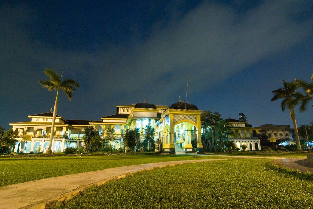 Menguak Sejarah Meriam Puntung Istana Maimun Panduan Wisata Medan Saking