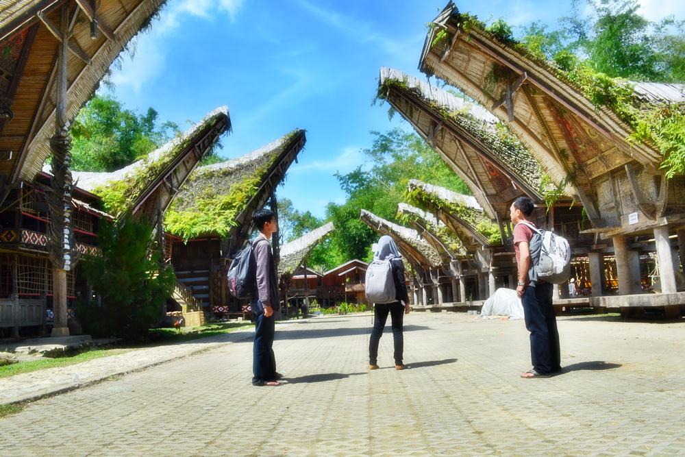 Kisah Batu Parsidangan Pulau Samosir Panduan Wisata Medan Img 20130102223652