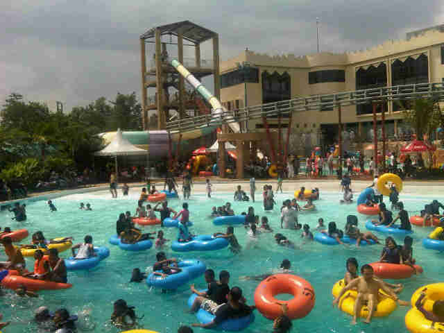 Wahana Waterpark Medan Patut Kamu Kunjungi Citra Garden Perumahan Mora