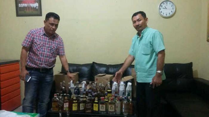 Polsek Percut Seituan Sita Puluhan Botol Minuman Keras Tribun Medan