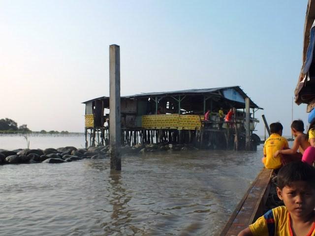 Restoran Terapung Bagan Ujung Percut Semedan Sei Tuan Kota Medan