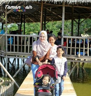 Taman Air Percut Kawasan Wisata Nge Hits Sumatera Lokasinya Berada