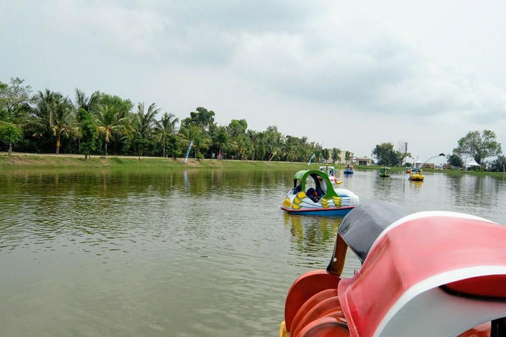 Taman Air Percut Sei Tuan Destinasi Wisata Kota Medan Sign