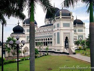Tjong Fie House Picnic Maupiknik Masjid Raya Al Mashun Medan