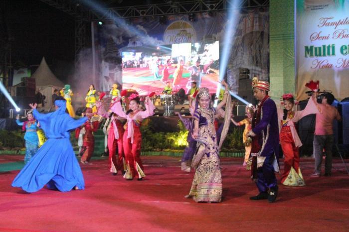 Atraksi Seni Budaya Pemko Medan Pukau Pengunjung Malam Penutupan Prsu