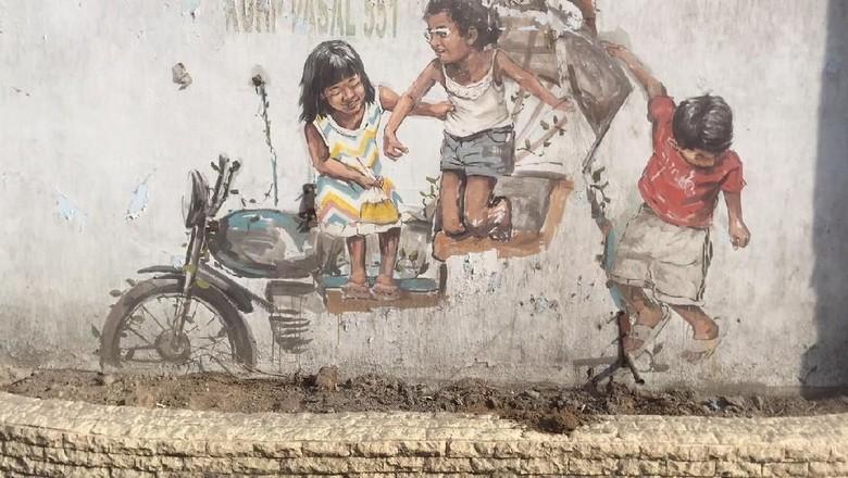 Becak Hasil Mural Pelukis Dunia Hilang Medan Miniatur Seni Anak