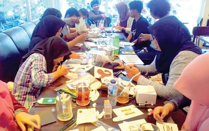 Berita Seni Handlettering Diminati Anak Muda Harian Analisa Dewanty Ajeng