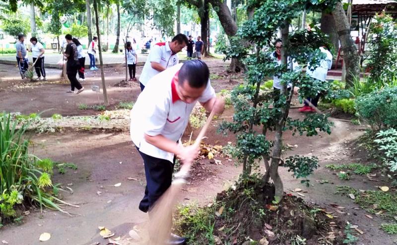 2 Perindo Dpw Sumut Bersih Taman Ahmad Yani Medan Https