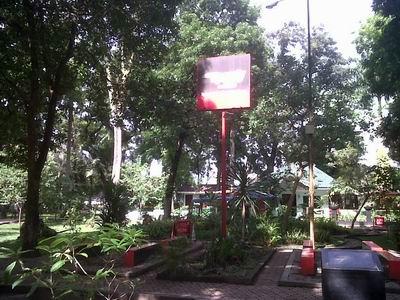 Lingkungan Asri Kota Medan Taman Ahmad Yani Ditengah Tampak Adanya