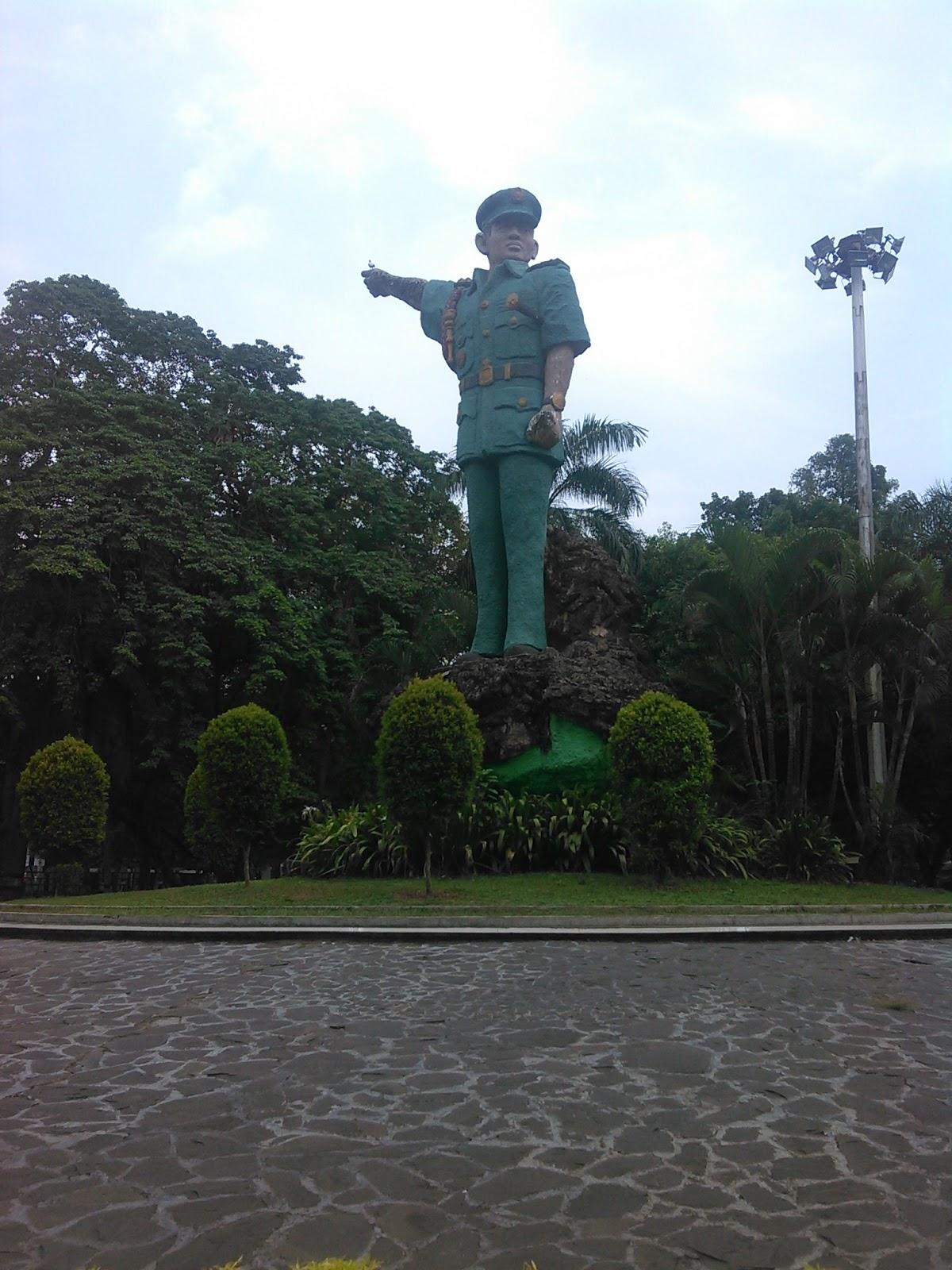 Sryatman Taman Ahmad Yani Ruang Terbuka Hijau Kota Medan Hari