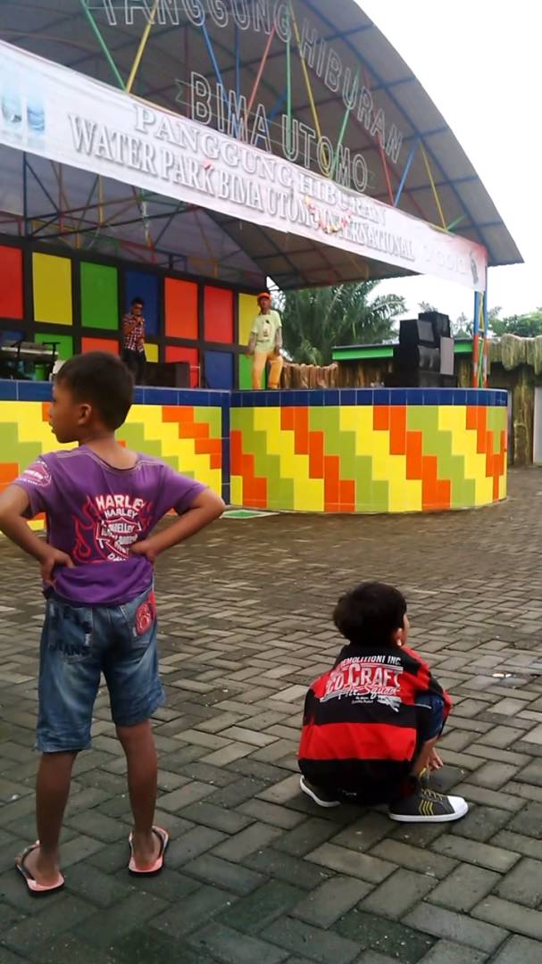 Wanna Bollywood Water Park Bima Utomo Youtube Taman Air Kota