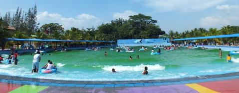 Hairos Water Park 1 Terlengkap Terbesar Sumatera Utara Kolam Ombak