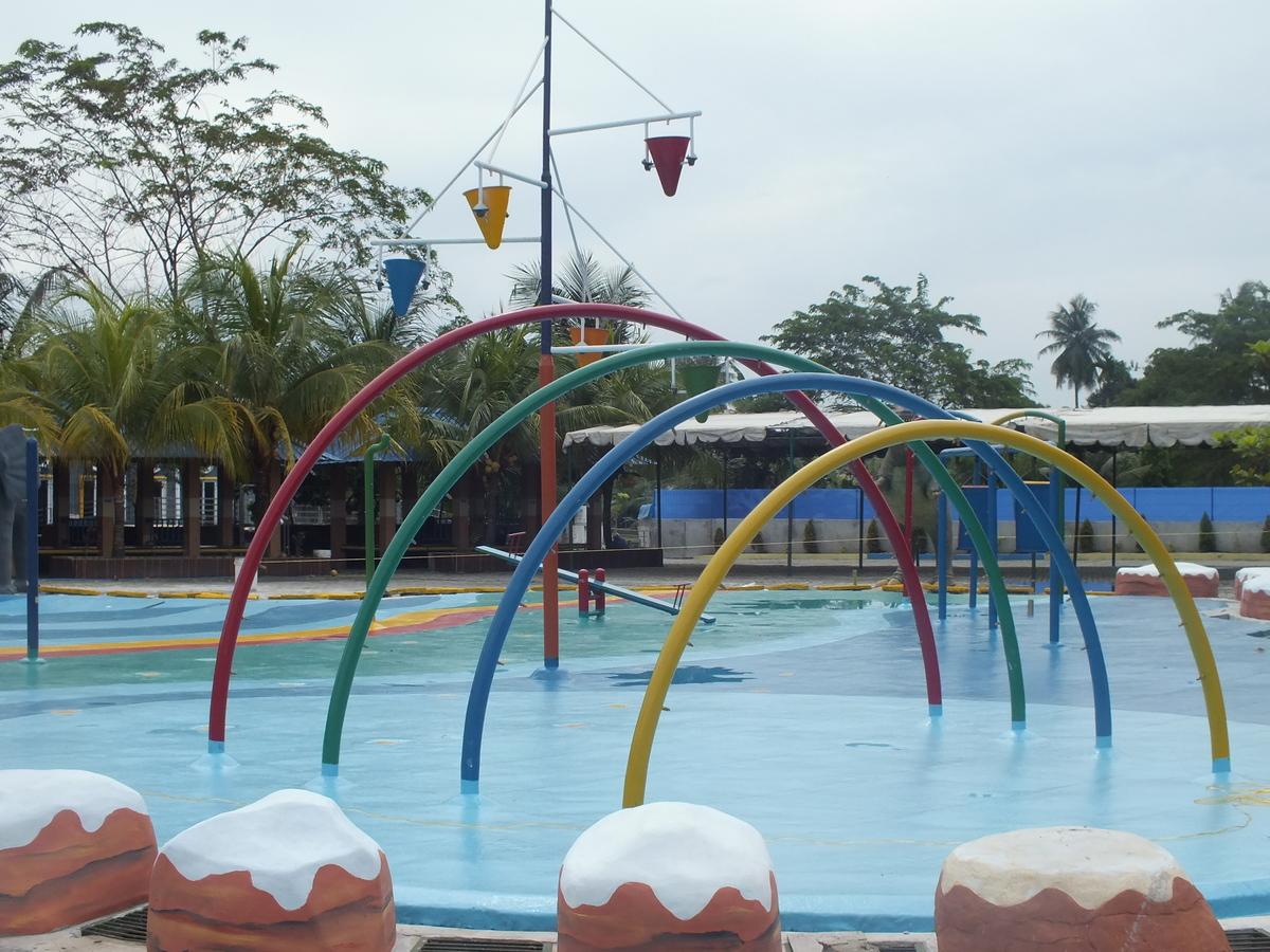 Kolam Air Menari Water Dancing Hairos Taman Kota Medan