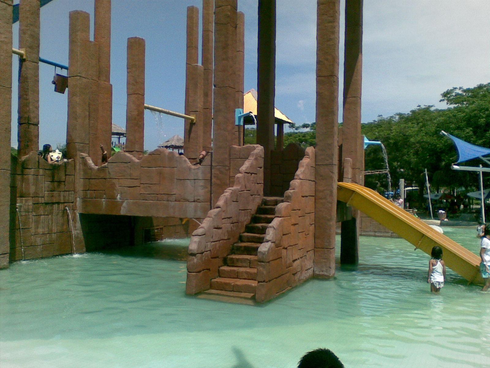 Obyek Wisata Januari 2012 Berada Persis Bibir Pantai Pemandangan Laut