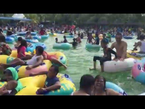 Serunya Menunggu Ombak Buatan Hairos Water Park Medan Sumut Youtube