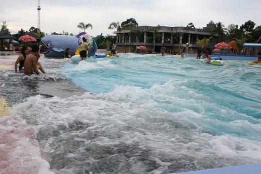 Wahana Asyik Hairos Water Park Panduan Wisata Medan Part 3