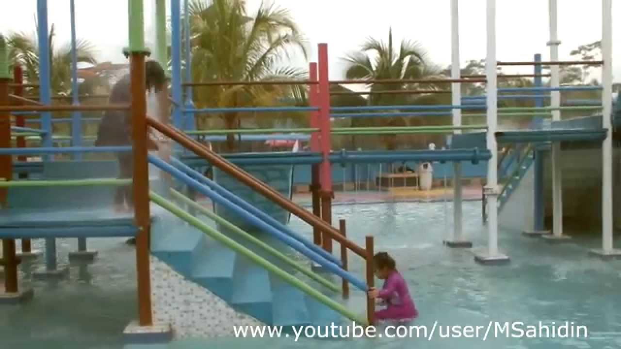 Zz Hairos Waterpark Youtube Taman Air Kota Medan