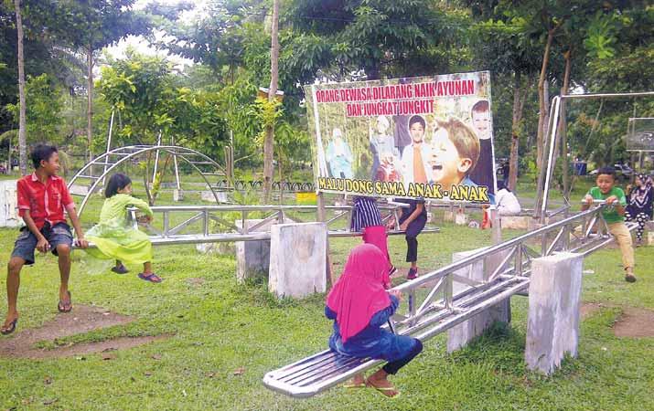 Berita Taman Cadika Pilihan Keluarga Habiskan Minggu Harian Analisa Sekelompok