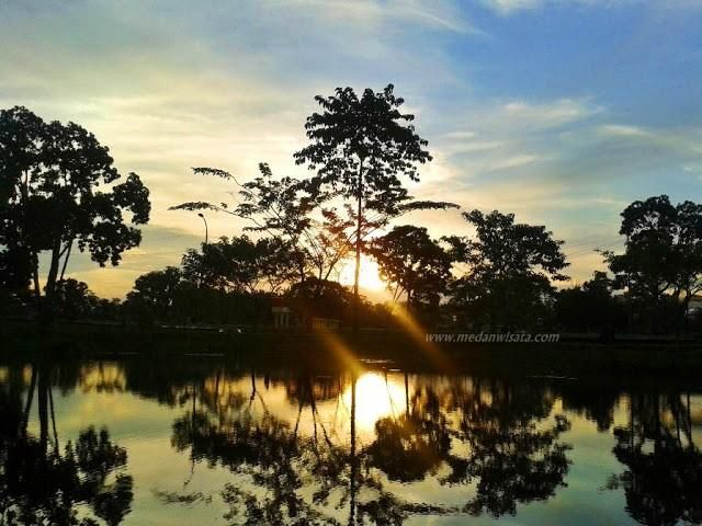 Dusk Taman Cadika Pramuka Medan Steemit View Vast Lake Main