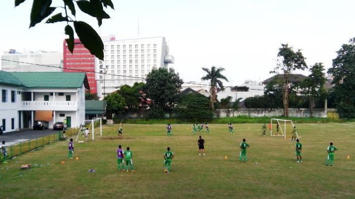Markas Latihan Psms Medan Stadion Bola Kebun Bunga Mini Taman