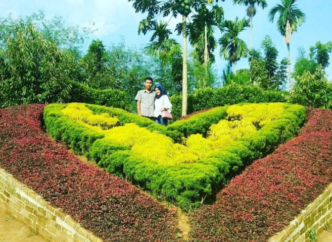 25 Tempat Wisata Medan Sekitarnya Hits Le Hu Garden Taman