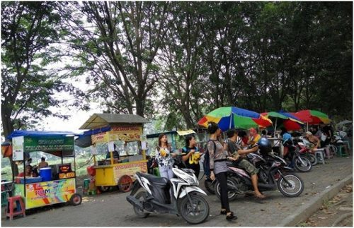 Boulevard Square Cemara Asri Taman Teduh Urban Kota Medan Le