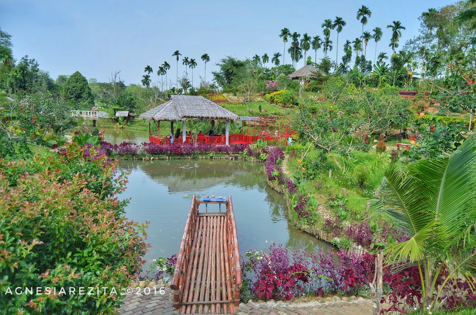 Le Hu Garden Taman Kekinian Menikmati Akhir Pekan Memancing Ikan