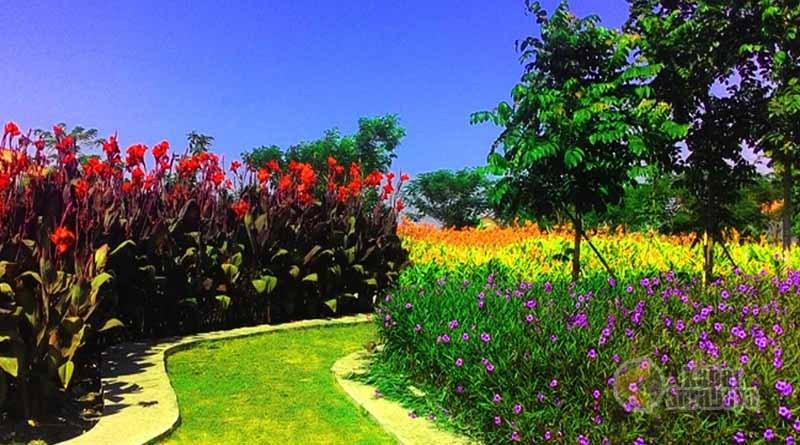Le Hu Garden Taman Kekinian Pinggiran Kota Medan Gambar Terkait