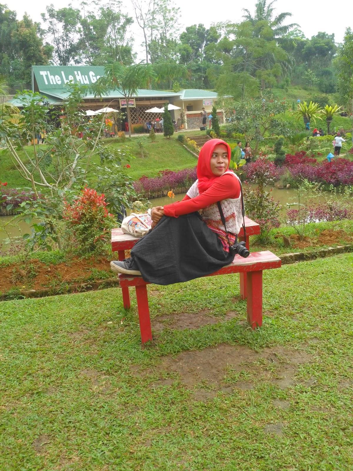 Le Hu Garden Wisata Foto Kekinian Pinggiran Kota Medan Taman