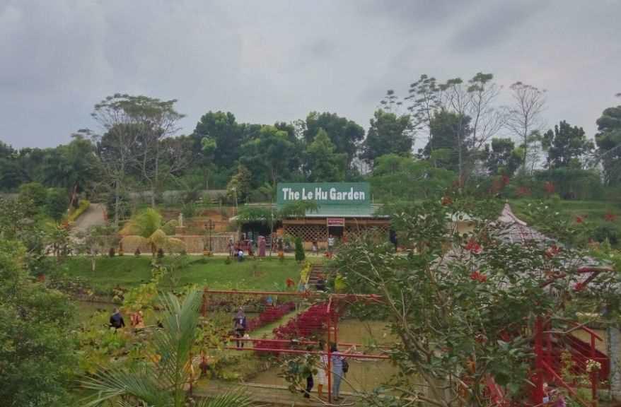 Taman Le Hu Garden Bunga Deli Tua Semedan Kota Medan