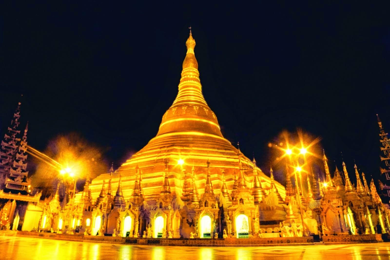 Goresan Pena Destinasi Wisata Wajib Kamu Kunjungi Berastagi Tinggi Pagoda