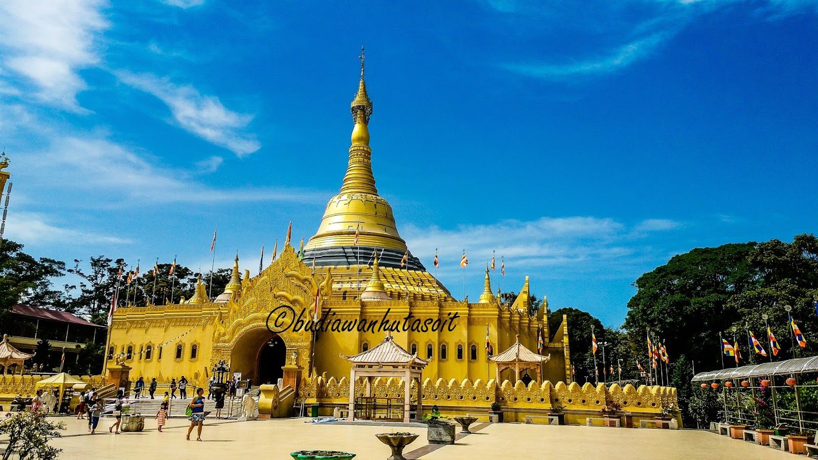 Jalan Replika Pagoda Shwedagon Tertinggi Taman Alam Lumbini Berastagi Wisata