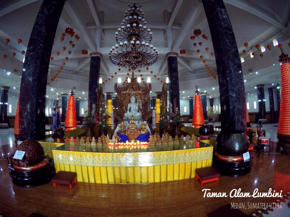 Medan Pagoda Emas Atas Bukit Berastagi Cindiltravelcindiltravel Cindiltravel Taman Alam