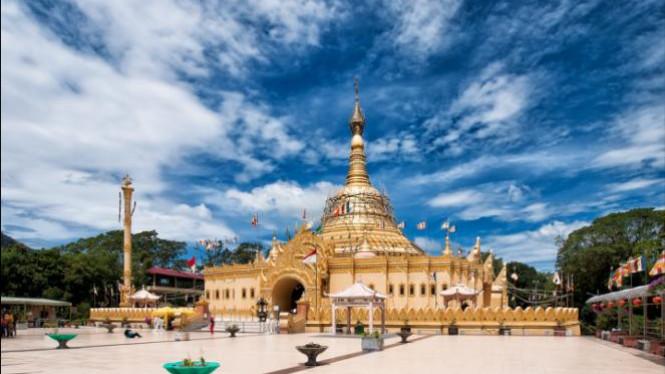 Menikmati Pagoda Tertinggi Terindah Taman Alam Lumbini Viva Image Title